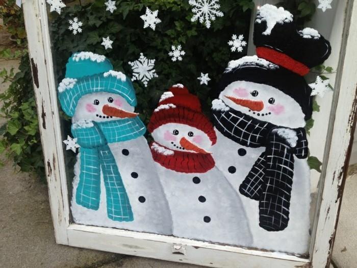 fensterbilder-weihnachten-froehliche-schneemaenner