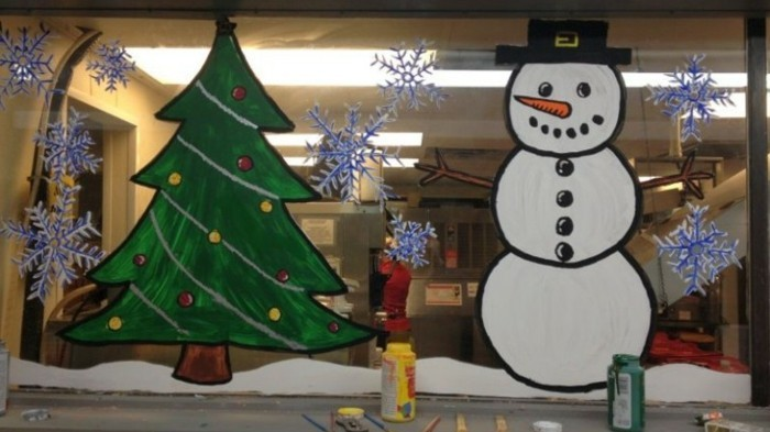 fensterbilder-weihnachten-vorlagen-schneemann-und-tannenbaum