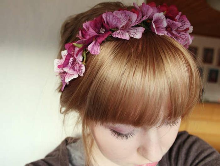 haarband-naehen-rosa-blumen-fuer-rotes-haar