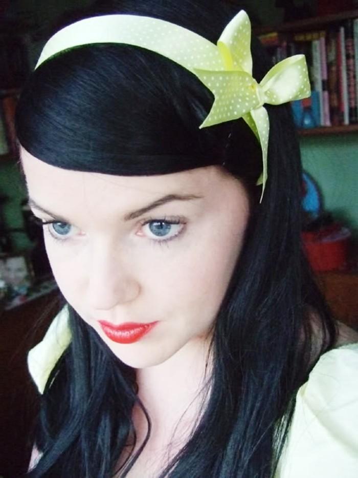 haarband-selber-naehen-in-hellgruener-farbe-fuer-vintage-look
