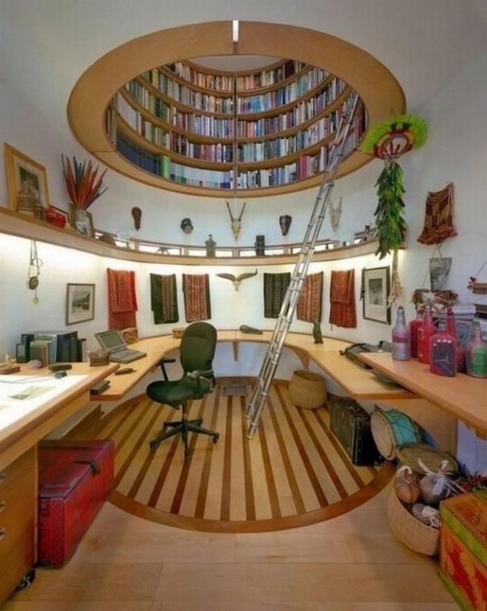 kreative-buecherregale-in-der-decke-eingebaut-in-arbeitszimmer