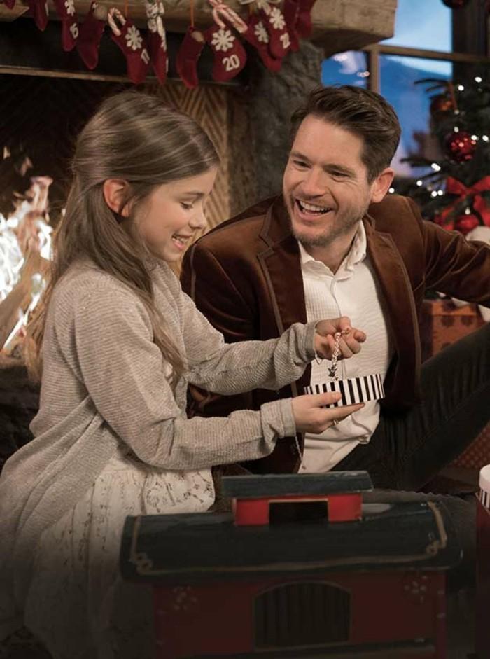 schmuck-als-weihnachtsgeschenk-fuer-kinder