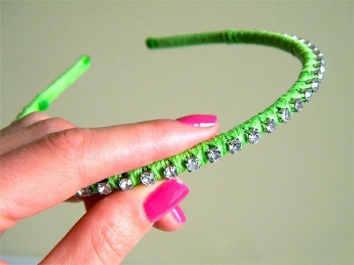 stirnband-selber-naehen-mit-kleinen-diamanten-in-gruener-farbe