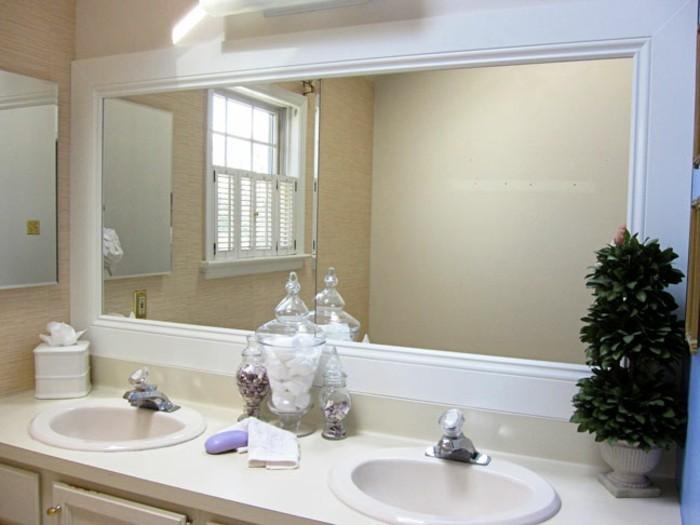 badspiegel-gross-und-zwei-waschbecken