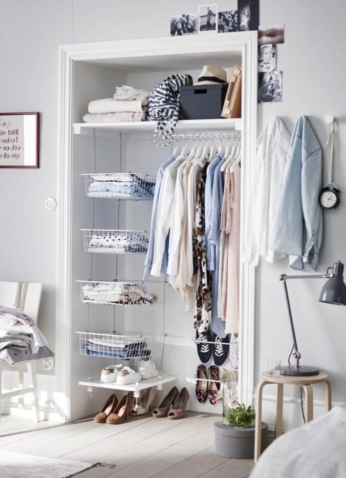 begehbare-kleiderschraenke-in-skandinavischem-stil-weiss-grau-hellblau