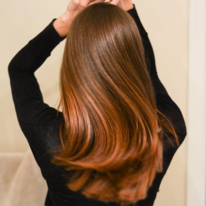 beste-haarkur-fuer-glaenzendes-haar-in-zwei-farben-rot-und-braun