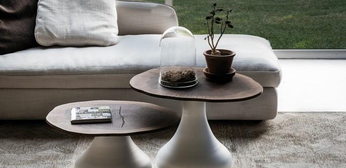 couchtisch-nussbaum-klein-weisse-beine-teppich-weisser-boden-graue-couch-gartenaussicht
