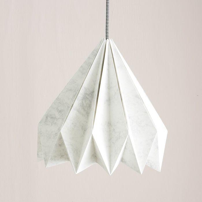 deckenlampe selber bauen origami lampe schritt für schritt machen lampenschirm aus weißem papier diy