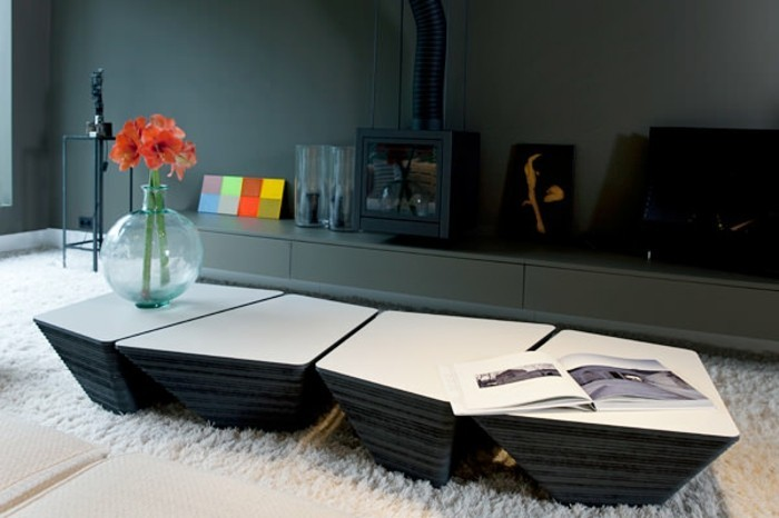 designer-couchtische-aus-stein-vierfacher-tischset-ohne-beine-weiss-und-schwarz-unregelmaessige-form