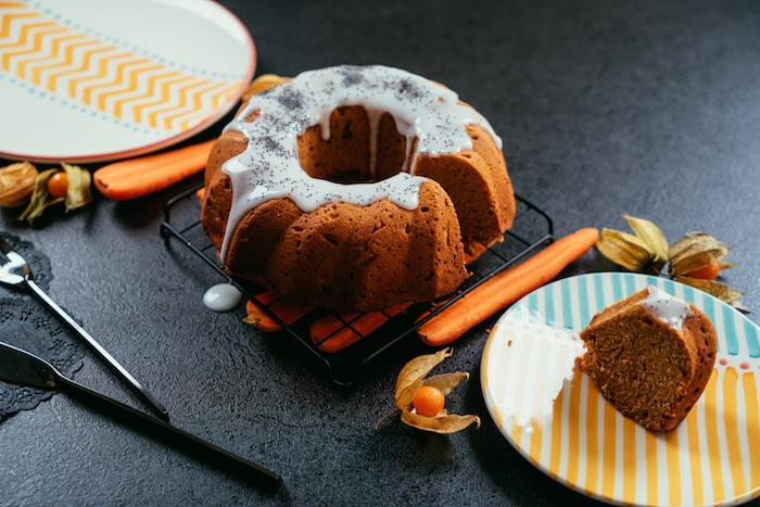 Glutenfreier Karottenkuchen mit Glasur, Nachtisch zu Weihnachten selber backen