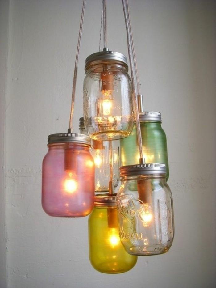 diy-lampe-aus-alten-glasern-selber-machen
