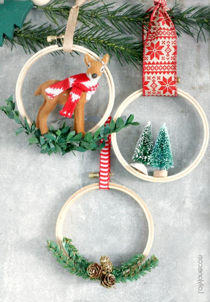 einfache weihnachtsornamente kleine reifen deko kleiner reh tannenbäume kleine tannenzweige winterdeko basteln