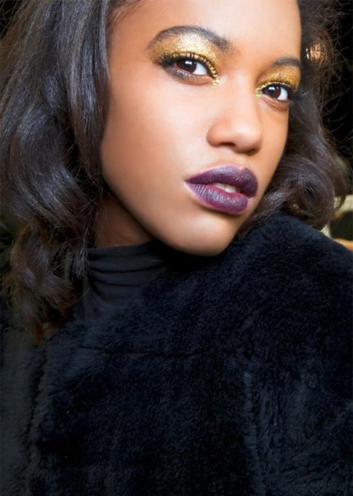 festliches-make-up-goldene-lidschatten-lila-lippenstift-lipgloss