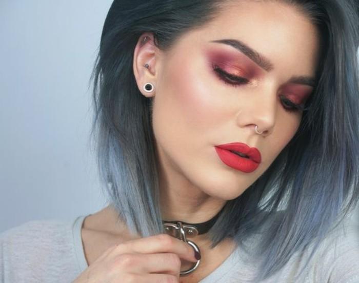 festliches-make-up-orange-rot-frisur-blaue-farbe-rouge-highlight-kette