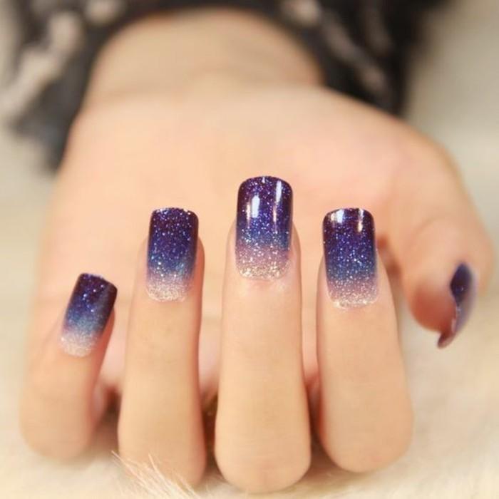 gelnagel-glitzer-lila-und-silber-finger-silvester-nagelart-design-festlich