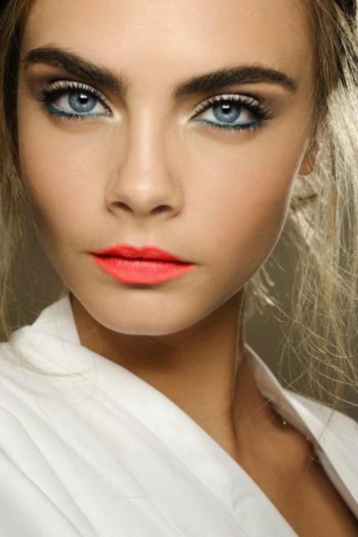 glamour-make-up-gruenes-kajal-orange-red-lippen-blondes-haar