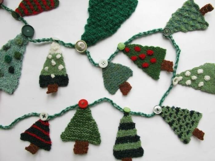 haekeln-weihnachten-mit-kleinen-tannenbaeumen