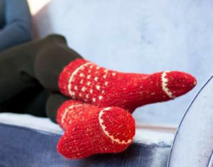 häkeln-weihnachten-zwei-rote-socken
