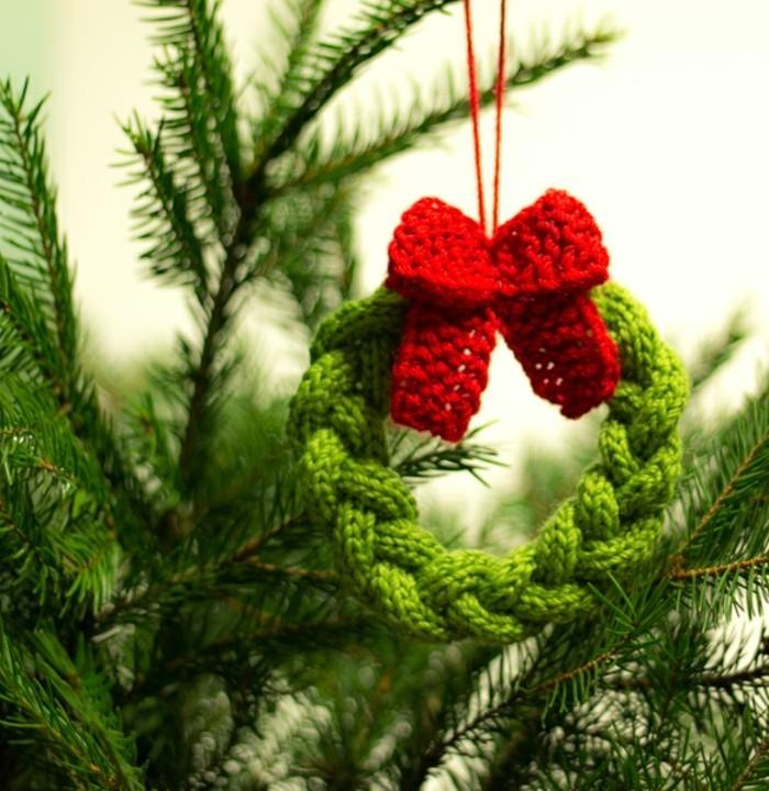 haekeln-zu-weihnachten-einen-mini-kranz