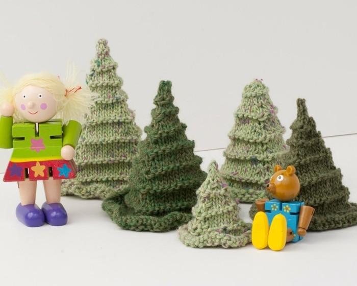 haekeln-zu-weihnachten-tannenbaeumen-in-gruener-farbe