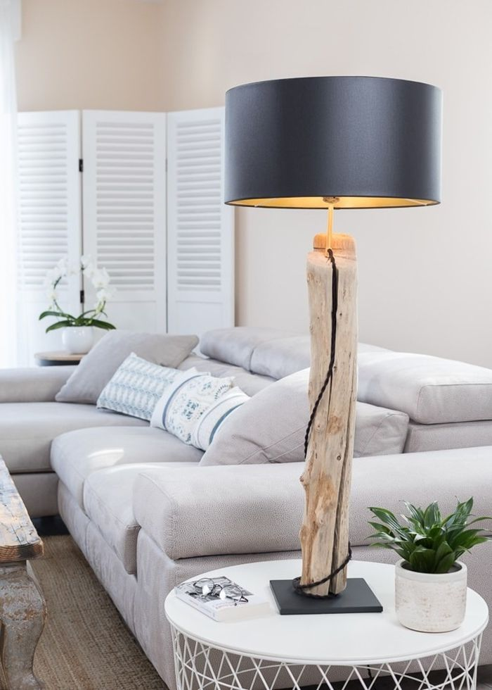 lampe aus treibholz treibholzlampe selber machen einzigartige holzlampe wohnungsdeko ideen