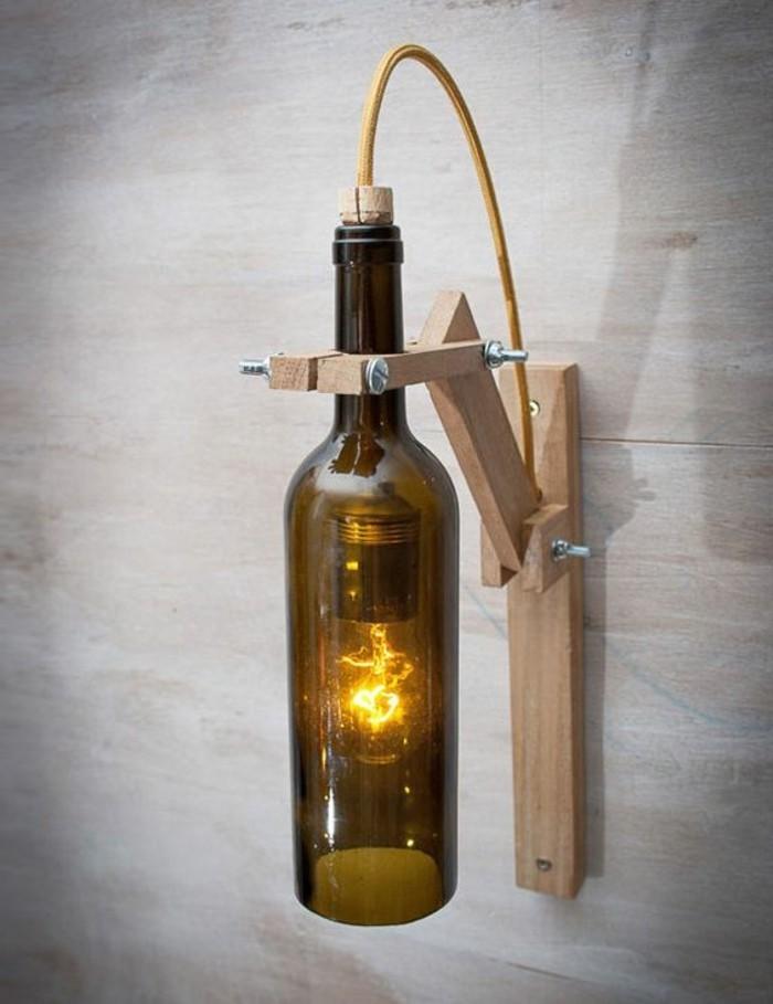 lampen-selber-machen-aus-weinflasche-mit-holzerner-konstruktion