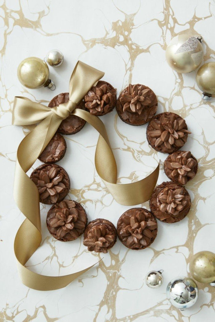 leckerer-nachtisch-weihnachtsbrownie-zapfenbrownie-nachspeise-weihnachten