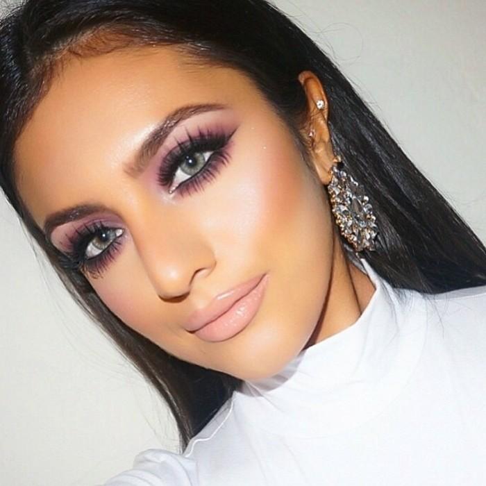 lila-make-up-schminken-ohrringe-weisse-bluse