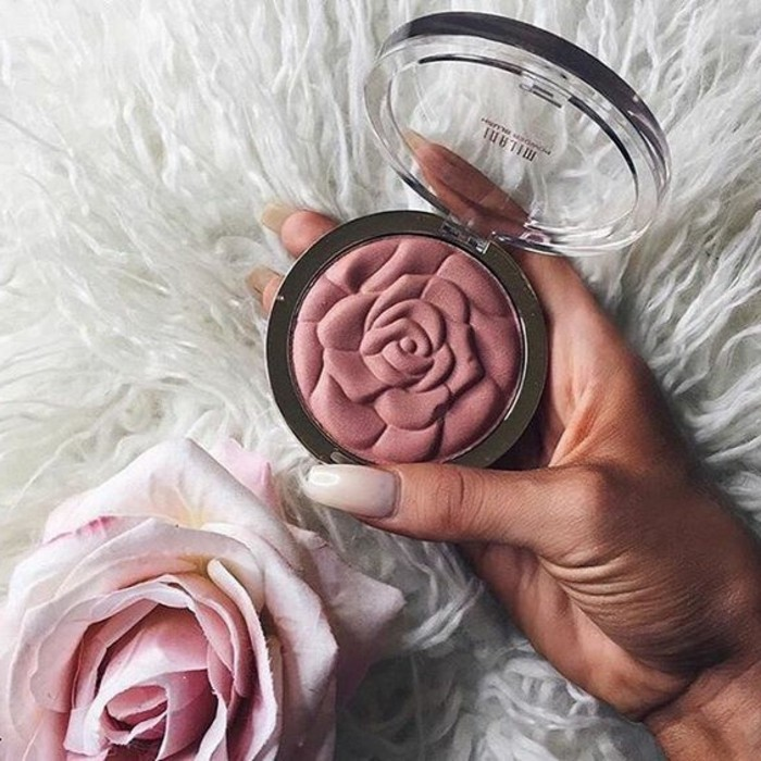 make-up-anleitung-rosa-rose-rouge-puder-puderrouge