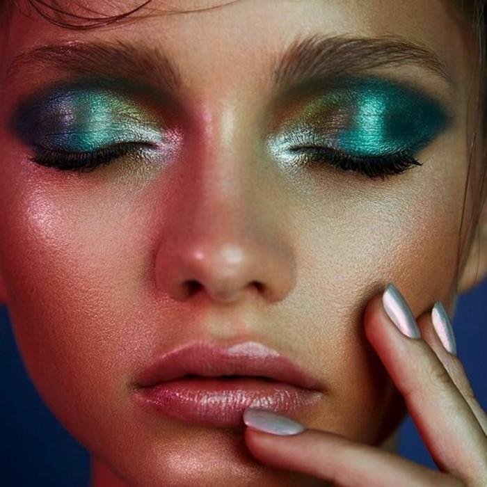 make-up-ideen-gruen-lidschatten-helle-farben-krass-stil-exotisch-nagel-lack