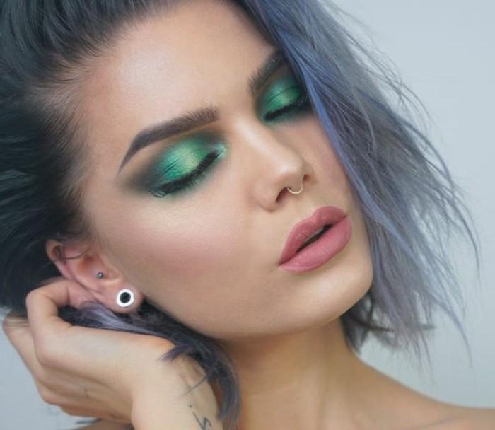 make-up-tutorials-gruene-lidschatten-schattierung-verblenden-tuerkis-kurze-haare