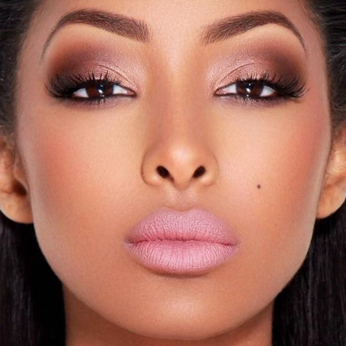 make-up-tutorials-volle-lippen-lidschatten-in-rosa-und-braun-anziehender-look