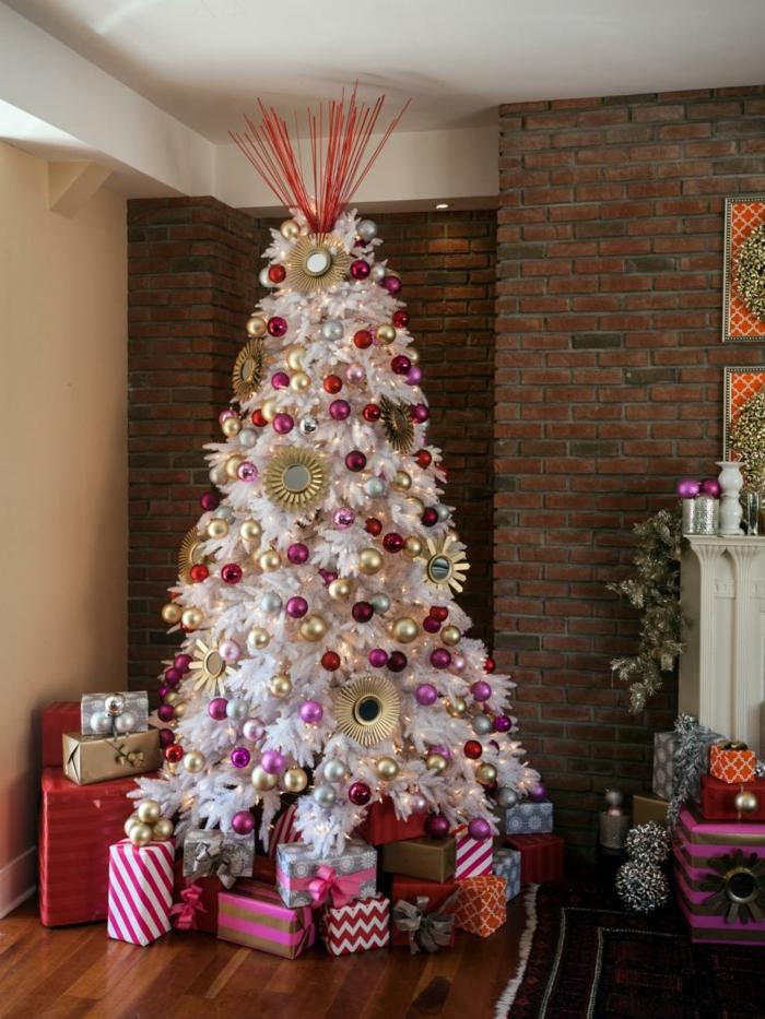 rot-und-gold-wiehnachtsbaum-deko-dekoideen-bunt