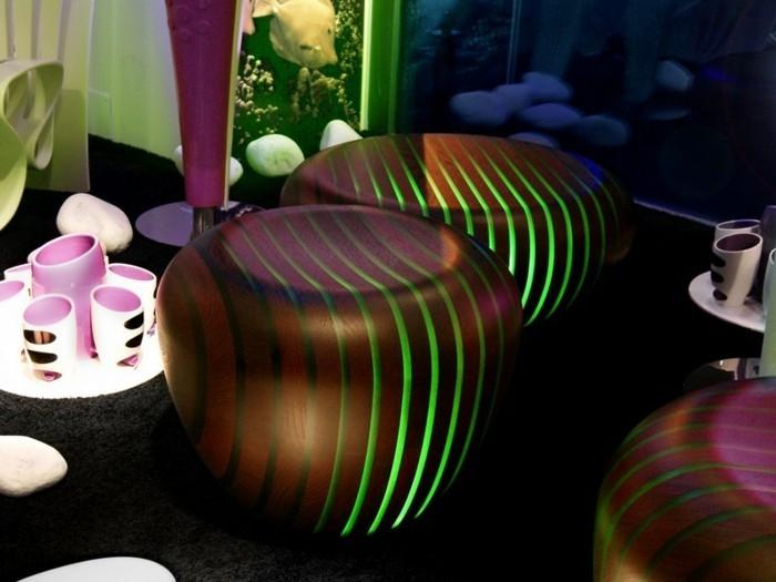 runder-couchtisch-leuchtender-couchtisch-massivholz-mit-led-lichtern-schicke-wohnung
