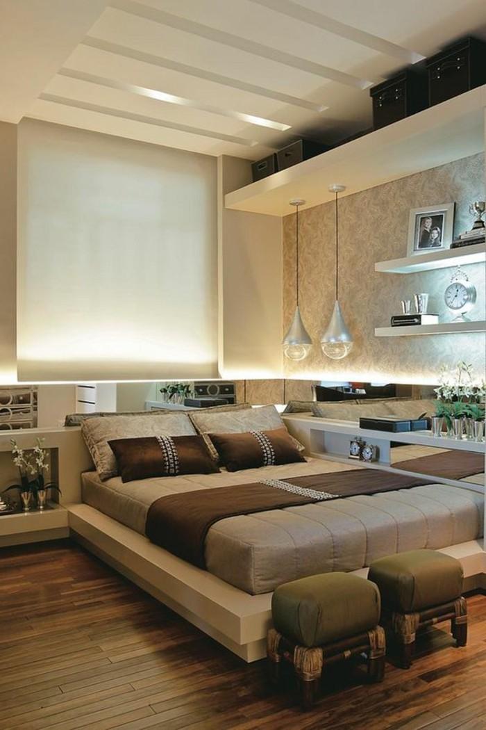 schlafzimmer-tapete-lampe-bett-hocker-wand-mit-beleuchtung-boden-aus-holz