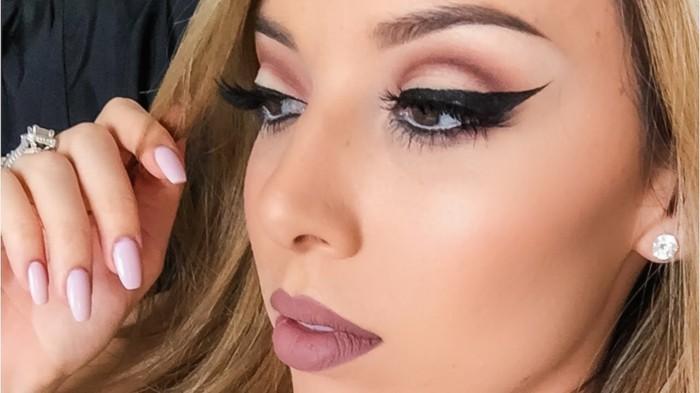 schminken-silvester-festlich-nude-lippen-lipstick-matt-lidstrich-naegel-design-simpel