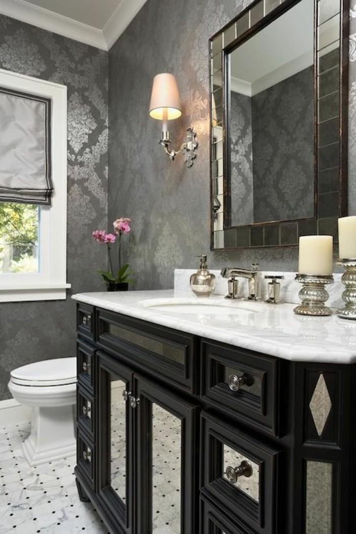 Tapeten Ideen Muster Lampe Eckiger Spiegel Badezimmer Kerzen