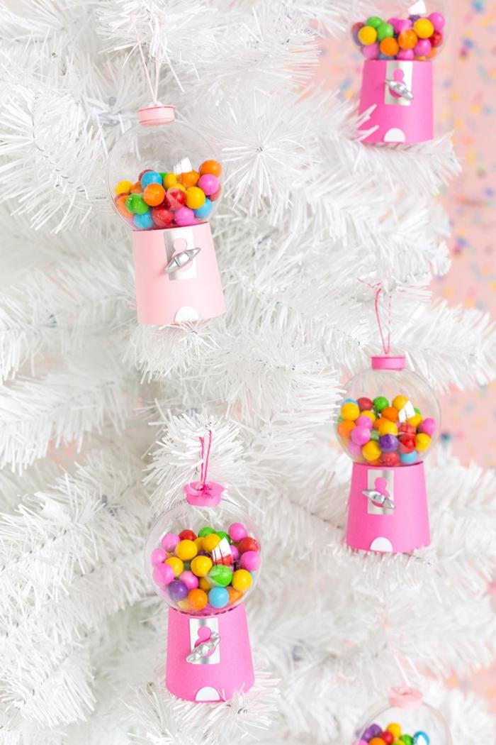 weißer tannenbaum bastelideen für weihnachten zum verschenken kaugummiautomaten ornamente