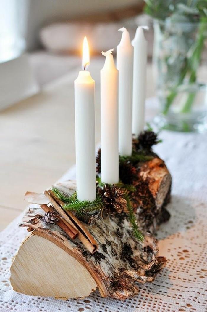 weihnachtliche-tischdeko-weise-spitzstrickchen-zimt-weise-kerzen-holz