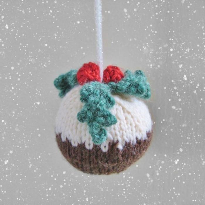 weihnachtsdeko-haekeln-zum-anhaengen-an-tannenbaum