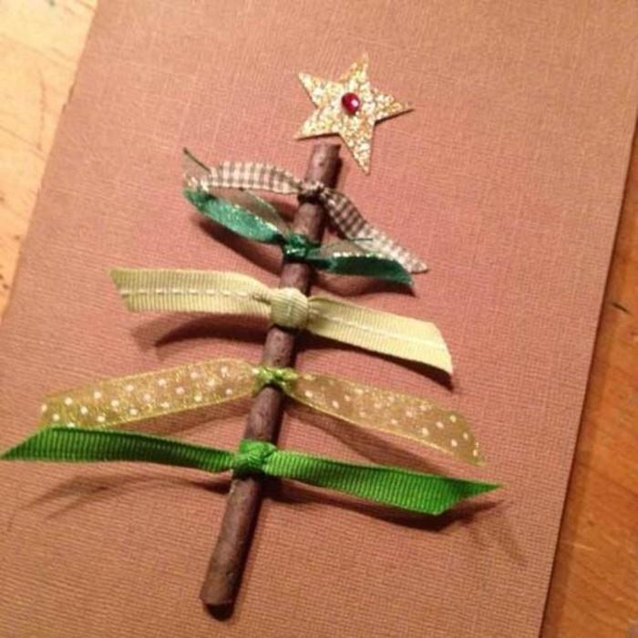 weinachtsbastelideen-tannenbaum-aus-stoff-und-holz-mit-goldenem-stern