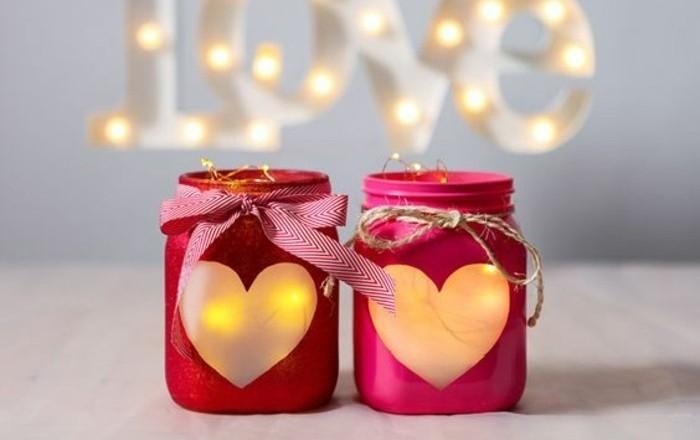 zimmer-dekorieren-romantische-glaeser-dekorieren-helzen-lampen