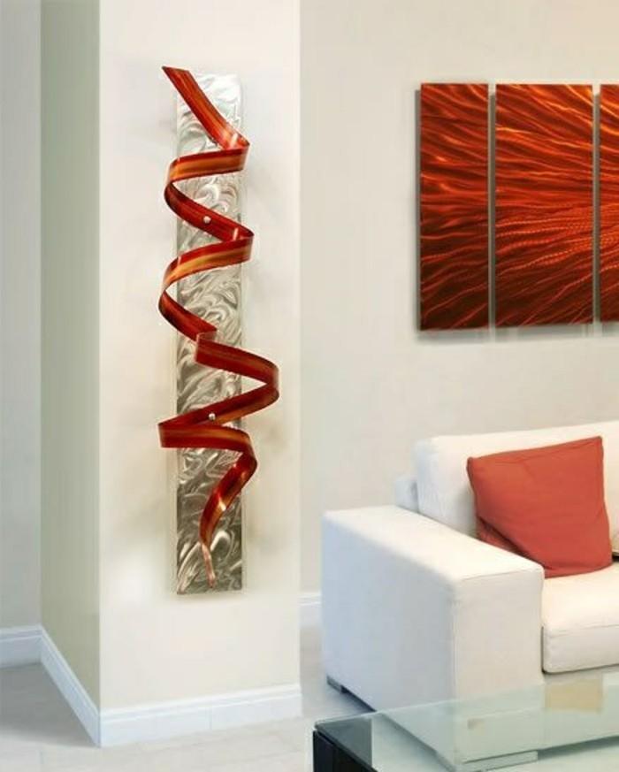 zimmer-dekorieren-wohnzimmer-weiser-sofa-rote-dekoration-als-spirale