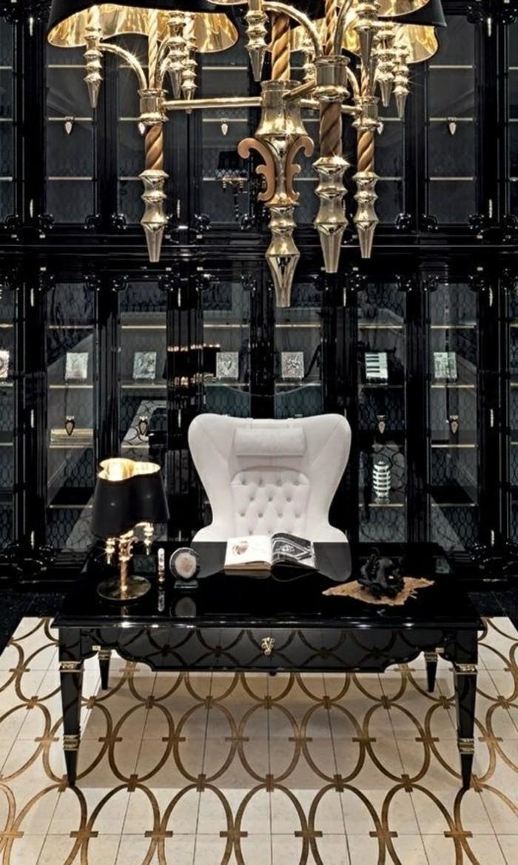 10-heimbuero-weisser-stuhl-schwarzer-schreibtisch-mit-goldenen-elementen-schwarzer-schrank-lampe
