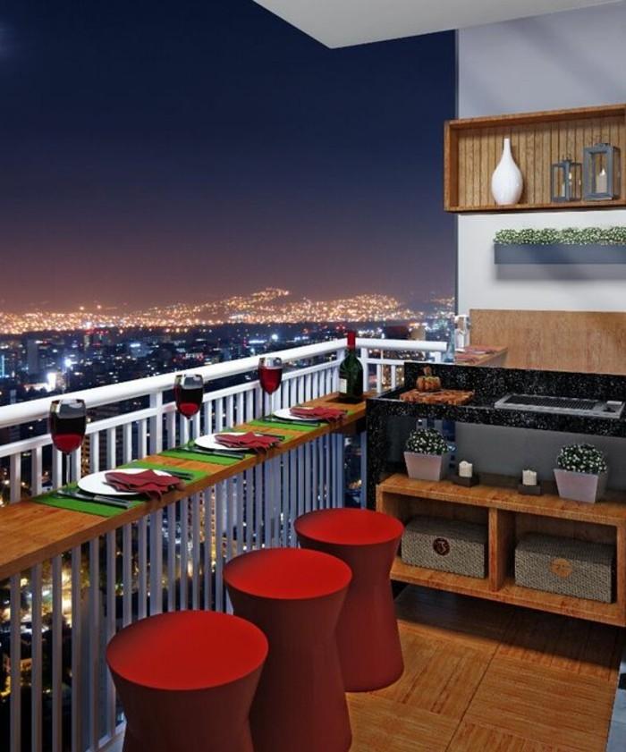 12-balkon-deko-weingläser-teller-servietten-weinflasche-rote-hocker-boden-aus-holz