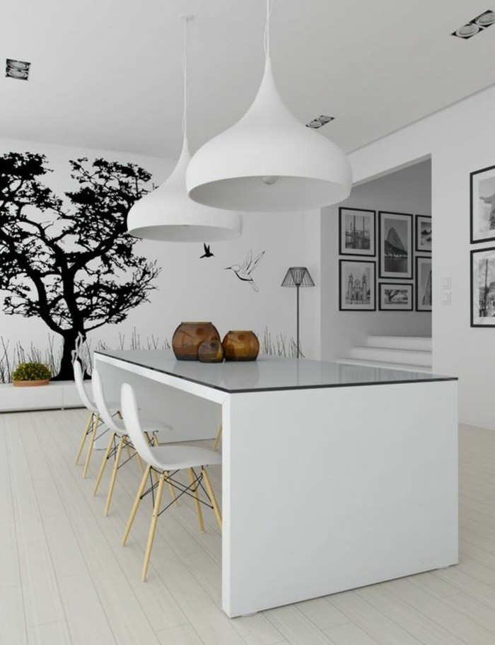 19-kreative-wohnideen-weißer-tisch-große-lampen-baum-wanddeko-wandtattoo-bilder-fotowand-fotos