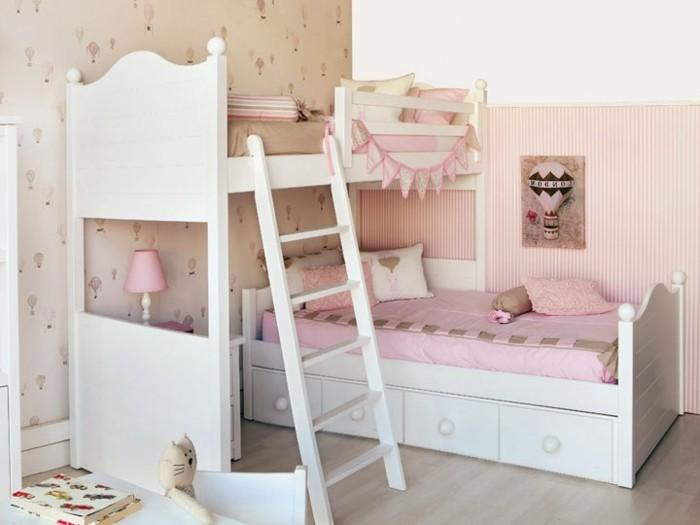 1kinderzimmer-für-zwei-mädchen-in-rosa-farbe-zweistöckiges-bett-weiß-bett-bettkasten