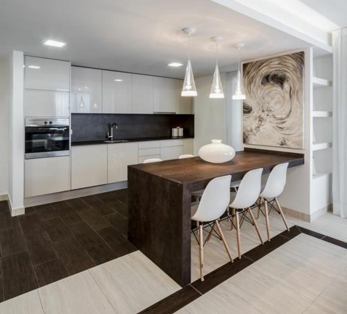 3-kreative-wohnideen-küche-in-weiß-ofen-lampen-weiße-stühle-waschbecken-bild-abstrakt