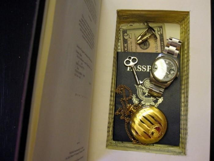 diy-geschenke-für-männer-buchsafe-selber-machen-armbanduhr-silber-banknote-ausweis-geburtstagsgeschenk-mann