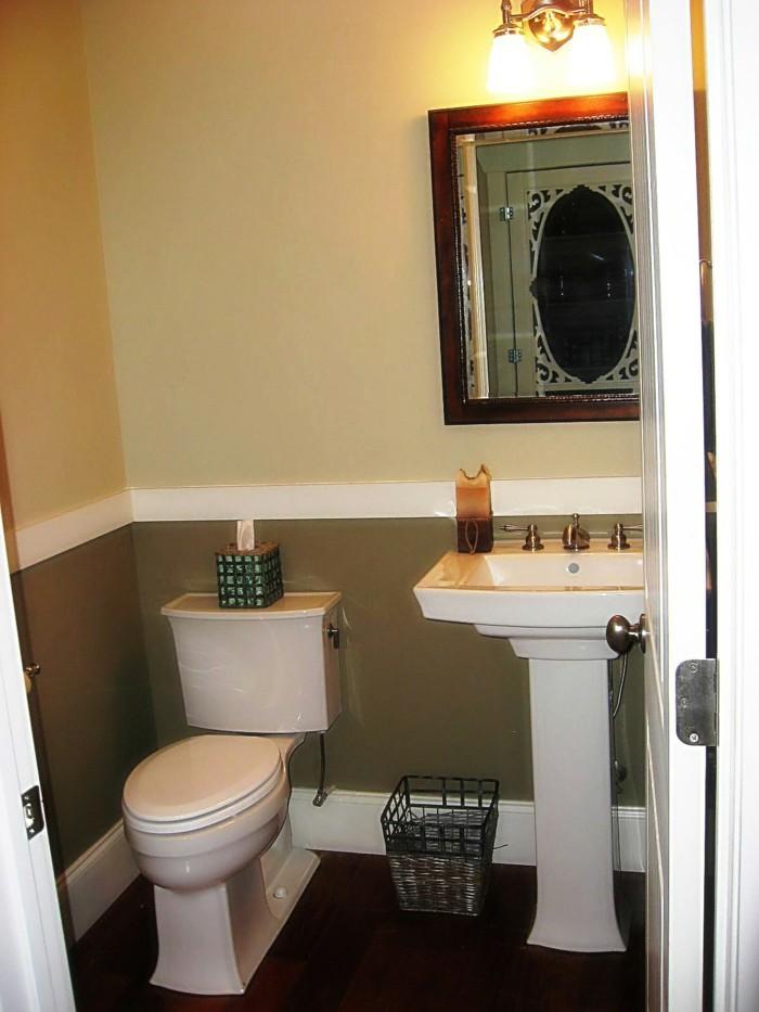 Bäder-ohne-fliesen-kleines-badezimmer-mit-antikem-spiegel